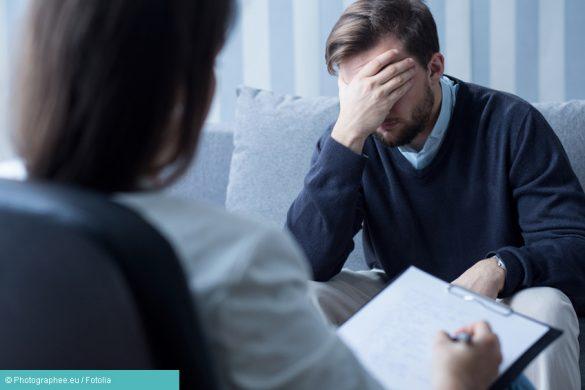 Arzt und Mann - Depression Therapie
