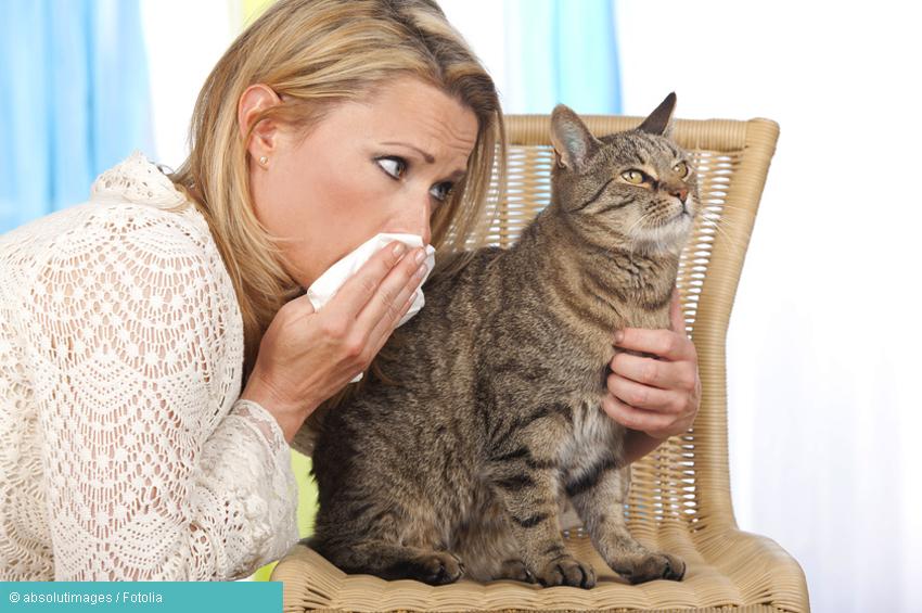 Frau mit Katzenallergie