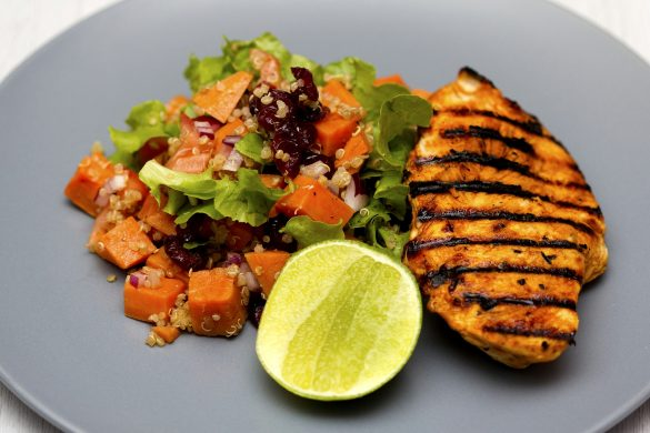 Fleisch und Gemüse eignet sich für die Atkins Diät