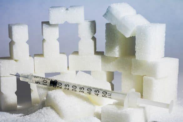 Zucker und Insulinspritze - Diabetes als Ursache für Nagelpilz