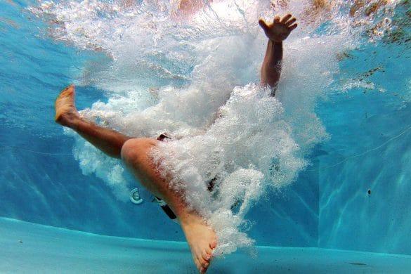 Schwimmbad als Ursache für Fußpilz