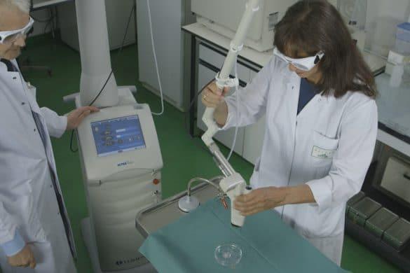 Bestrahlung eines Hautmodells mit einem Laser